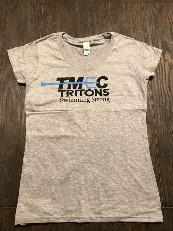 Gildan – TMEC Women V-Neck Team Shirt in Sports Grey